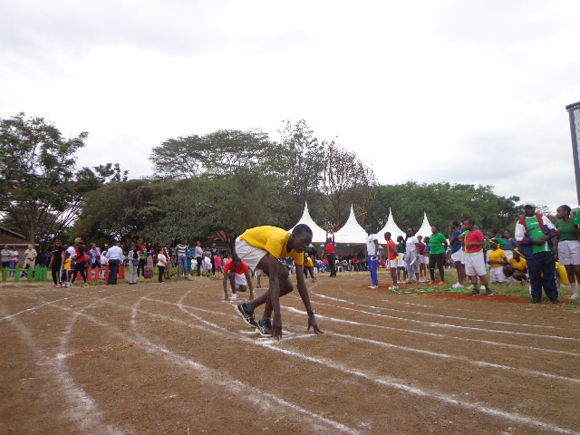 800 m for upper category... RUDAN JUNIOR SCHOOLS at Public Service Club for sports day.